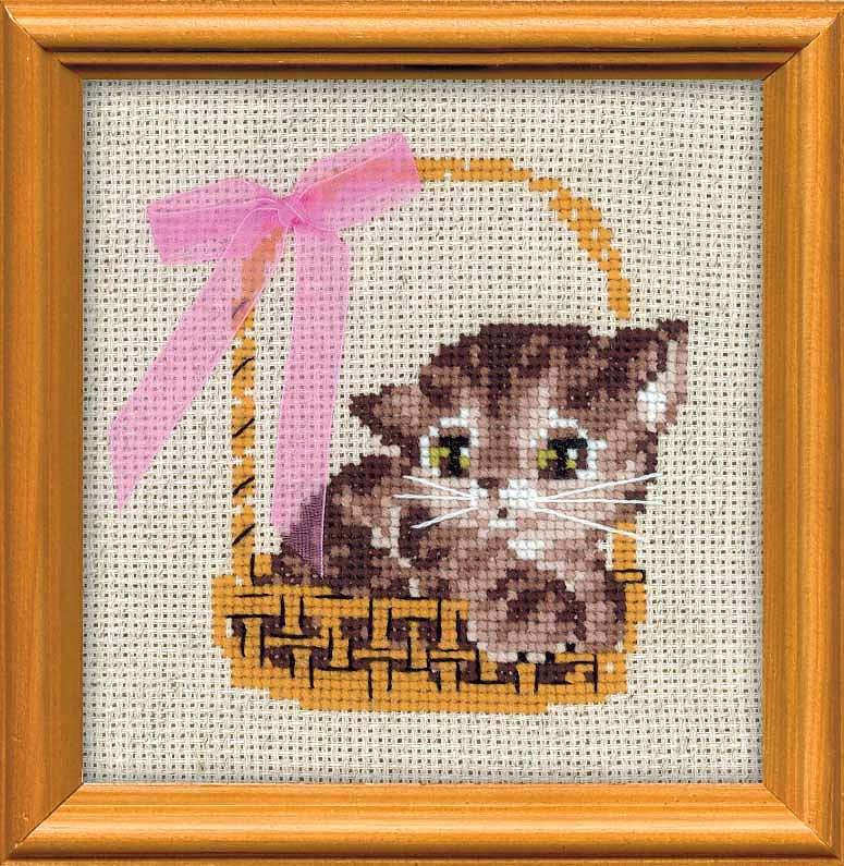 Картинки кот вышивает